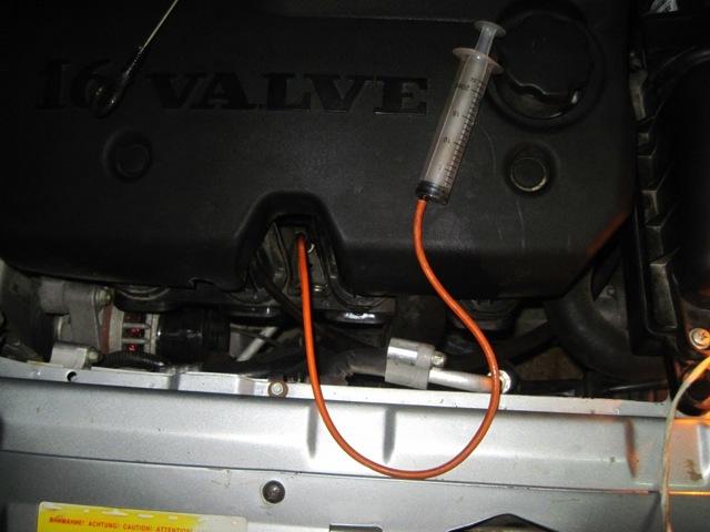 Перелили масло в двигатель? Что делать, как слить.