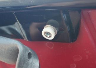 Мухобойка на капот: как установить дефлектор капота