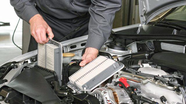 Как заменить воздушный фильтр двигателя своими рукам