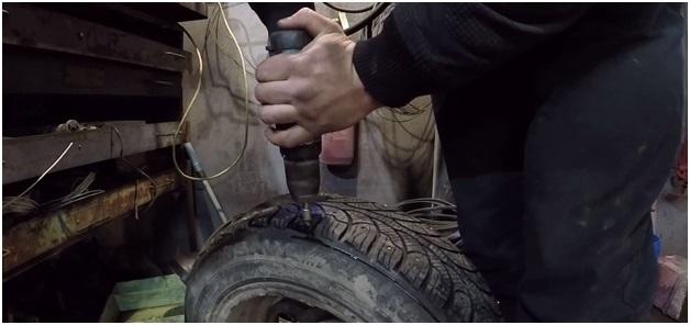 Дошиповка зимних шин своими руками без пневмопистолета, видео