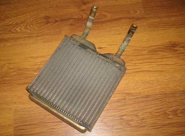 Чем промыть радиатор печки автомобиля, не снимая