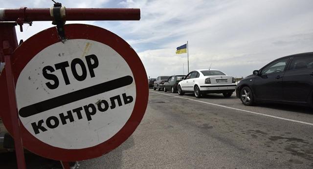 Пересечение границы Казахстана с Россией, таможня на авто
