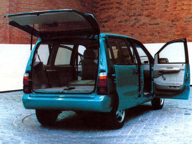 Самы лучший семейный автомобиль (большой клиренс, 7 мест)