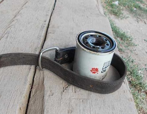 Как открутить масляный фильтр без съемника: видео снятия ремнем, специальным ключем. Рассмотрим, как поменять и с каким усилием затягивать