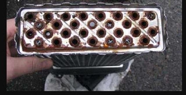 Чистка радиатора ДВС, кондиционера, интеркулера: как помыть снаружи и не загнуть соты. Мойка своими руками специальным средством без снятия с автомобиля