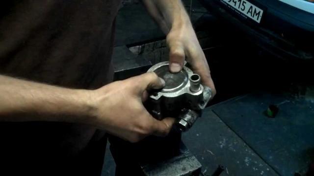 Ремонт ГУРа своими руками, как разобрать насос, ремонт рейки (видео)