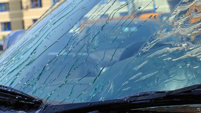 Антидождь для стекла автомобиля - нанесение, срок действия.