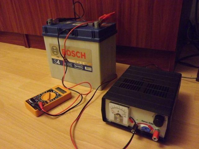 Плотность аккумулятора: как измерить и повысить.