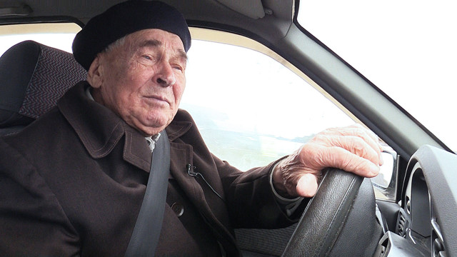 Платят ли пенсионеры транспортный налог, льготы по налогам на ТС