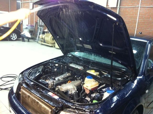 Можно ли мыть двигатель автомобиля керхером, как мыть правильно