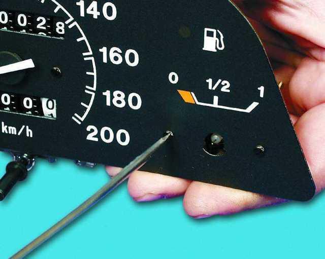 Не работает датчик уровня топлива: почему перестал правильно показывать, диагностика. Как проверить