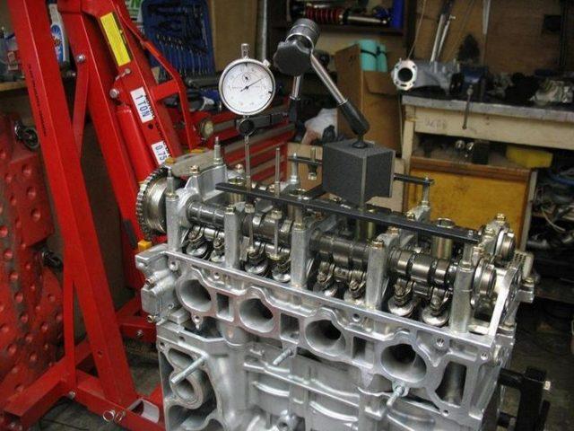 Стучат клапана в двигателе на холодную. В чем причина.