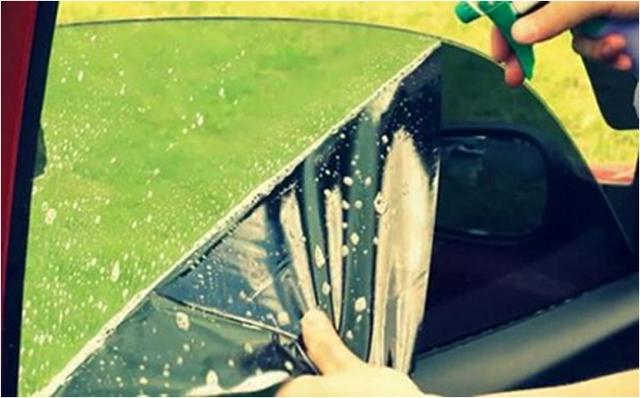 Как снять тонировку со стекла самостоятельно? Инструмент, способы