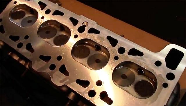 Затяжка болтов головки блока цилиндров: момент, усилие, схема